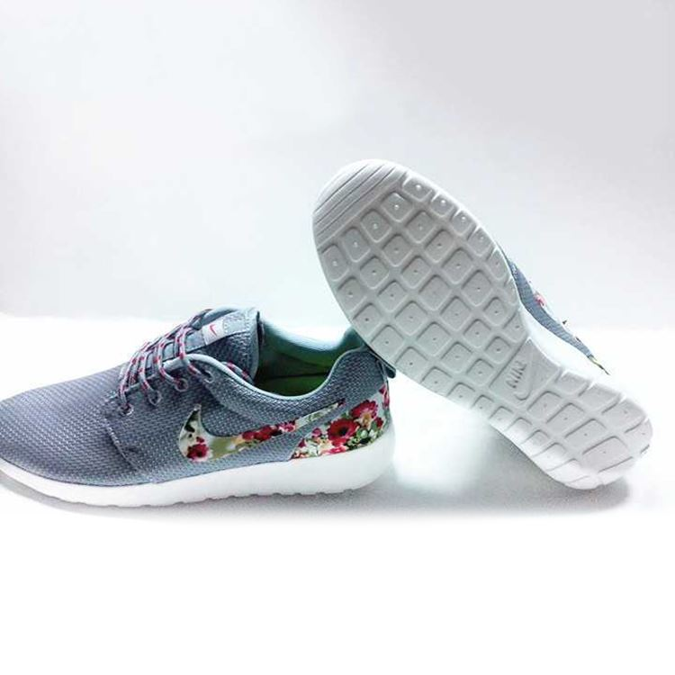 Nike Floral Roshe Customized Running Shoes